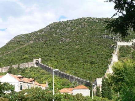 Ston - Mali Ston  errichtet im  14. Jh. - Festungsmauer