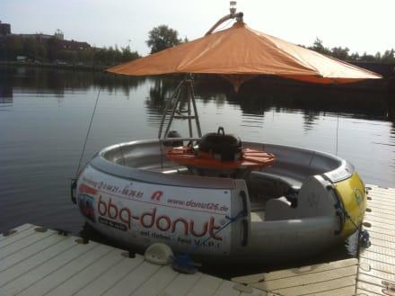 BBQ-Donut Grillboot Vermietung in Wilhelmshaven • HolidayCheck