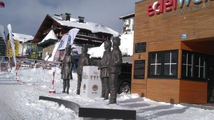 Denkmal für die Beatles in Obertauern - The Beatles Denkmal