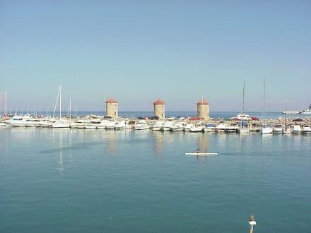 Mandraki Hafen - Yachthafen Mandraki