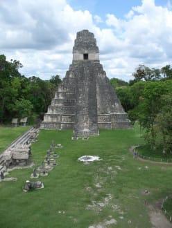 große Pyramide von Tikal - Tikal - Das Erbe der Maya