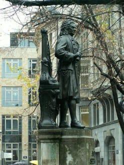 J. S. Bach-Denkmal - Johann Sebastian Bach Denkmal