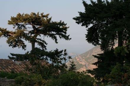 Blick vom Bali-Kloster auf die Umgehungsautobahn - Agios Ioannis Prodromos Kloster