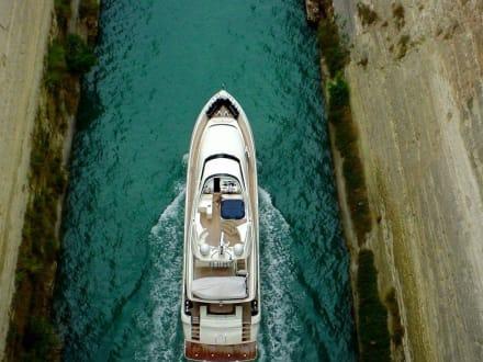 Privatschiff - Kanal von Korinth