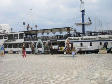 Restaurant - Schiff - Yachthafen Port el Kantaoui