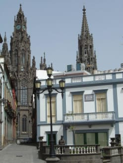 Blick auf die Iglesia de San Juan Bautista - Iglesia de San Juan Bautista