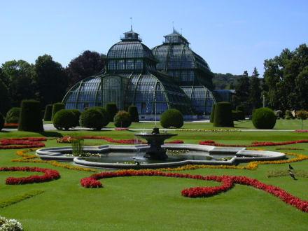Schlosspark Schönbrunn - Schloss Schönbrunn