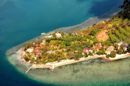 Aireal view of South Gili Gede -