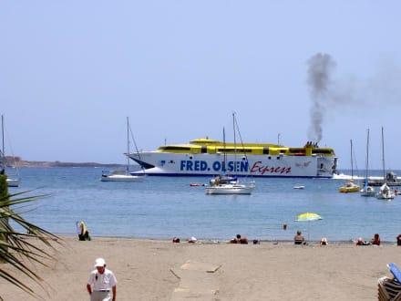 Einfahrt in den Hafen - Hafen Los Cristianos