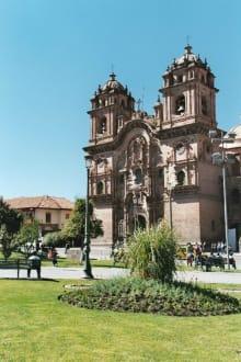 Plaza de armas - Jesuitenkirche La Compañia de Jesús