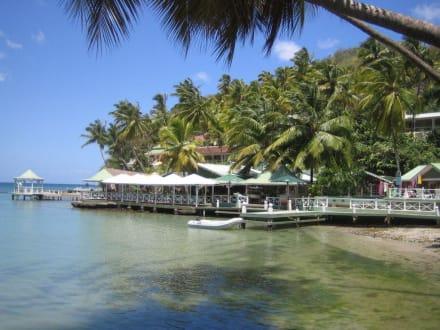 Blick auf das Restaurant - Marigot Bay