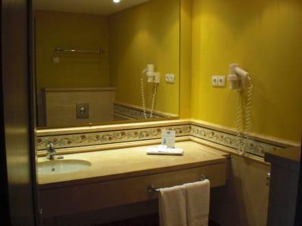 Badezimmer - allsun Hotel Albatros