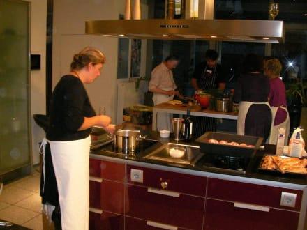 der Hauptgang ist gleich fertig - Trixi Bannert Wein- und Kochkurs