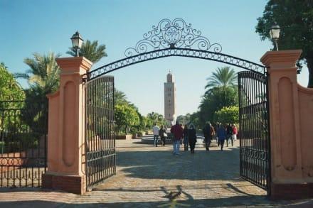 Eingang Olivengarten mit Blick auf Minarett - Koutoubia Moschee