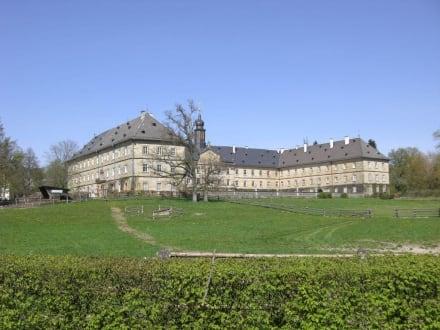 Das Schloss - Schlosspark Tambach