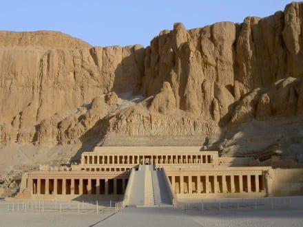 West-Theben_Totentempel der Hatschepsut - Tempel der Hatschepsut