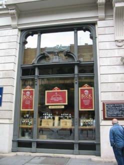 Royal restaurant -