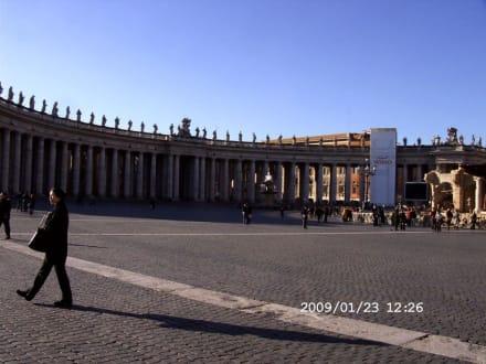 Petersdom und Petersplatz - Petersplatz