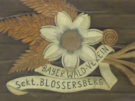 Emblem des Waldvereins an der Hütte - Kronberg Viechtach