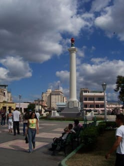 Plaza de Marte, der Platz des März - Plaza de Marte
