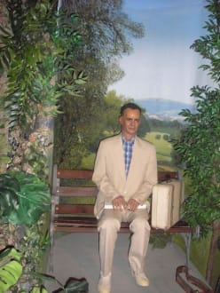 Forrest Gump - Hollywood Wax Museum