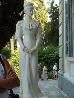 Statue von der Kaiserin Elisabeth von Östereich - Schloss Achilleion