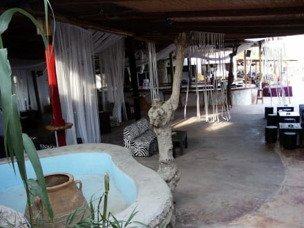 Club Lounge - Paradise Beach