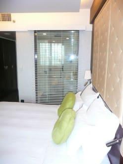 Blick ins Bad vom Zimmer aus - Hotel Mövenpick Hanoi