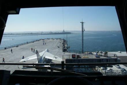 Blick von der Brücke - Flugzeugträger USS Midway