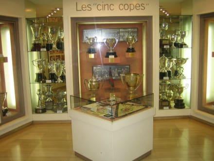 Ausgestellte Pokale - Camp Nou Stadion