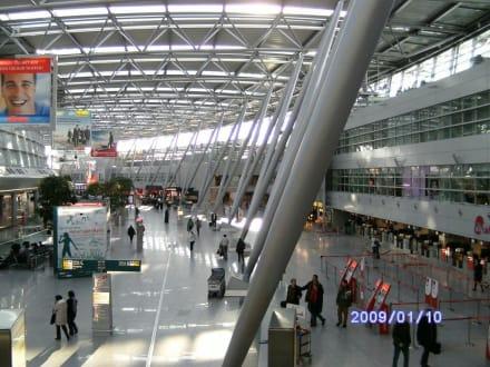 Abflughalle - Flughafen Düsseldorf (DUS)