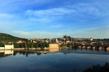 Castle View Suites magnificent view -