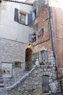 Eingang Confisserie - Burg Gourdon