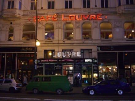 Aussenansicht - Café Louvre