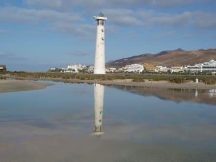 Leutturm mit Spiegelung - Strand Jandia
