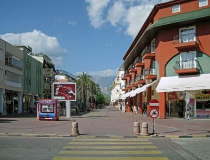 Market/Bazaar/Shopping center  - Shopping Kemer
