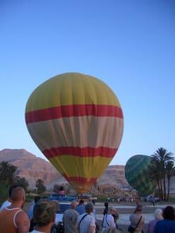 Vorbereitung Ballon - Ballonfahrt Luxor