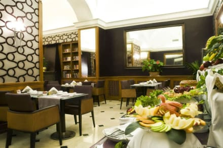 Breakfast room -
