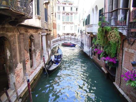 Auch die Seitenkanäle haben ihren Reiz - Altstadt Venedig