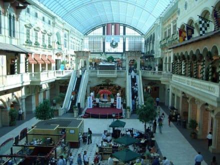 Mercato Shopping Mall - Mercato Mall
