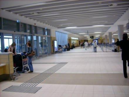Checkin Paphos International Airport - Flughafen Paphos (PFO)