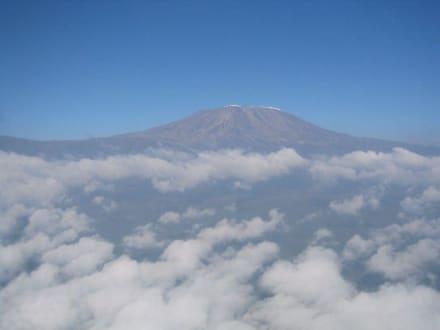 Kilimandscharo aus dem Flieger - Nationalpark Kilimandscharo / Kilimanjaro