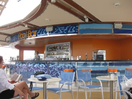 Poolbar - Oasis of the Seas