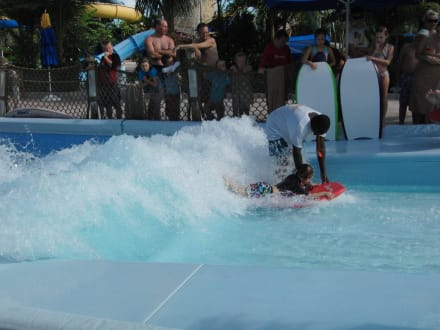 Surfkanal im Wasserpark - Hotel Beaches Turks & Caicos Resort & Spa