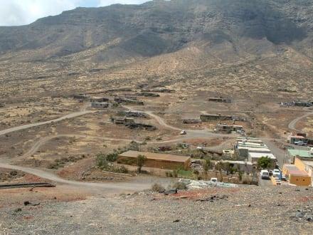 Bergmassiv im Süden von Fuerteventura - Playa Barca