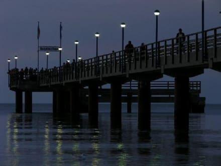Seebrücke Zingst am Abend - Seebrücke