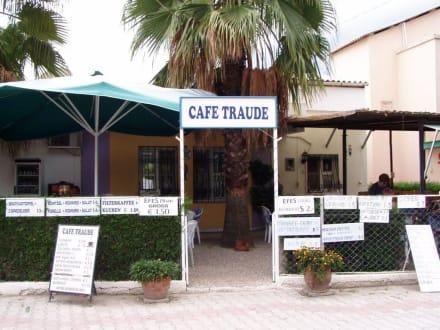 Eingang - Cafe Traude (geschlossen)