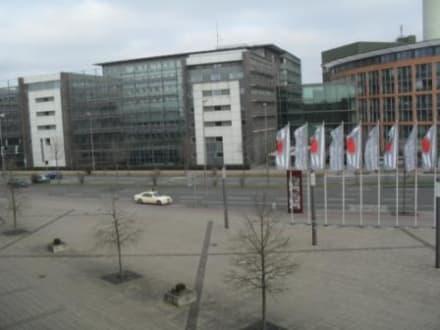 Ausblick zur Straße - TRYP Münster Kongresshotel