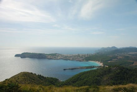 Blick auf Cala Ratjada von Talaia Son Jaumell - Strand Cala Mesquida