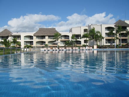 holidaycheck royalton punta cana resort & casino